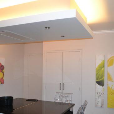 Faux plafond avec éclairage LED